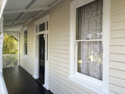 Exterior weatherboard painting